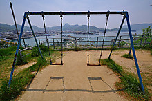 800pxswing_seat_at_oujijinja