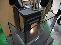 800pxjapanese_small_pelletstove_1
