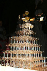 220pxbigest_champagne_tower