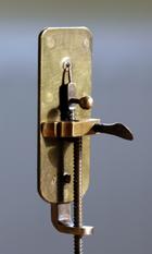 230pxleeuwenhoek_microscope