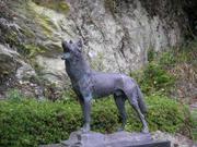 Honshuwolf_statue